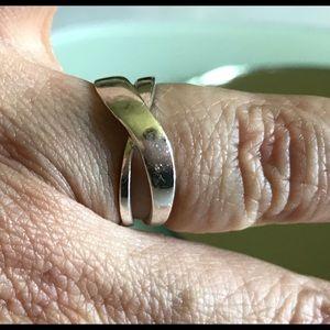 LA Rocks | Crossover Sterling Silver Ring 8